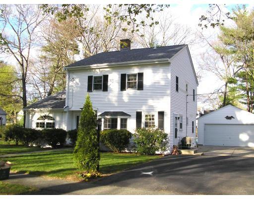 Частный односемейный дом для того Продажа на 1 Beverly Road 1 Beverly Road Natick, Массачусетс 01760 Соединенные Штаты
