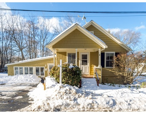 Single Family Home for Sale at 36 Garfield Avenue 36 Garfield Avenue Hamilton, Massachusetts 01982 United States