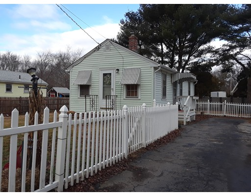 独户住宅 为 出租 在 35 Ward Avenue 35 Ward Avenue Rockland, 马萨诸塞州 02370 美国