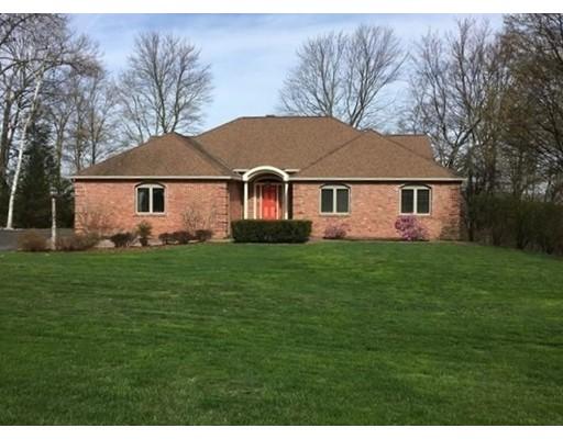 Частный односемейный дом для того Продажа на 330 Barton Avenue 330 Barton Avenue Belchertown, Массачусетс 01007 Соединенные Штаты
