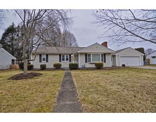 Casa Unifamiliar por un Venta en 16 Owen Drive 16 Owen Drive Cumberland, Rhode Island 02864 Estados Unidos