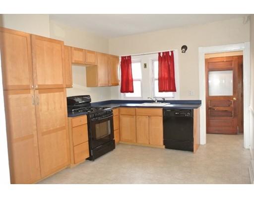独户住宅 为 出租 在 41 Faxon Street 牛顿, 马萨诸塞州 02458 美国