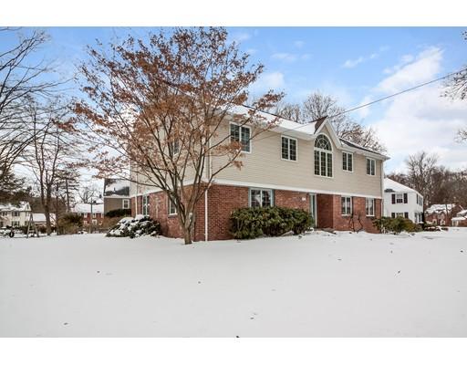 独户住宅 为 销售 在 29 Dartmouth Road 29 Dartmouth Road Longmeadow, 马萨诸塞州 01106 美国