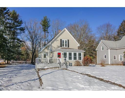 Maison unifamiliale pour l Vente à 300 Spruce Street 300 Spruce Street Abington, Massachusetts 02351 États-Unis