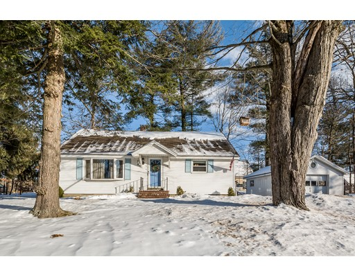 واحد منزل الأسرة للـ Sale في 5 Groveland Street 5 Groveland Street Ayer, Massachusetts 01432 United States