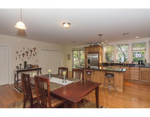 Частный односемейный дом для того Аренда на 51 Winslow Road 51 Winslow Road Brookline, Массачусетс 02446 Соединенные Штаты