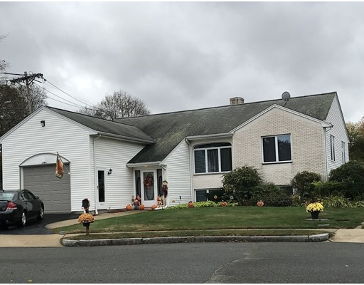 Picture 4 of 3 Marzino Lane  Stoneham Ma 3 Bedroom Single Family