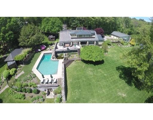 Single Family Home for Sale at 32 Hunting Lane 32 Hunting Lane Sherborn, Massachusetts 01770 United States