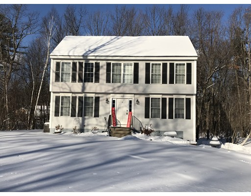 Single Family Home for Sale at 14 Driveew Woods Drive Derry, New Hampshire 03038 United States