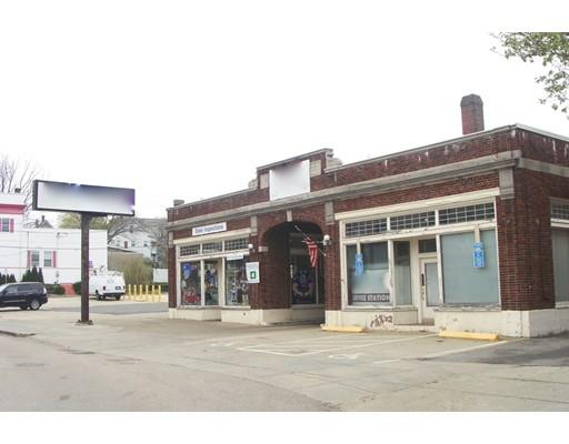Commercial pour l Vente à 13 Spruce St/ Corner /Main 13 Spruce St/ Corner /Main Milford, Massachusetts 01757 États-Unis