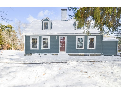 独户住宅 为 销售 在 211 Holmes Street 211 Holmes Street 哈利法克斯, 马萨诸塞州 02338 美国