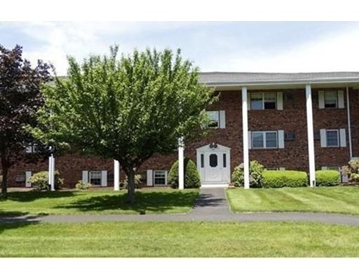 Additional photo for property listing at 89 Pleasant  Medfield, Massachusetts 02052 Estados Unidos