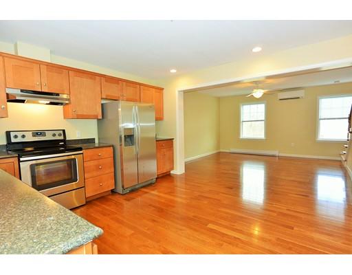 Casa Unifamiliar por un Alquiler en 154 Franklin Street #6 154 Franklin Street #6 Clinton, Massachusetts 01510 Estados Unidos