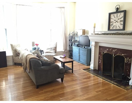 Single Family Home for Rent at 473 Beacon Boston, Massachusetts 02115 United States