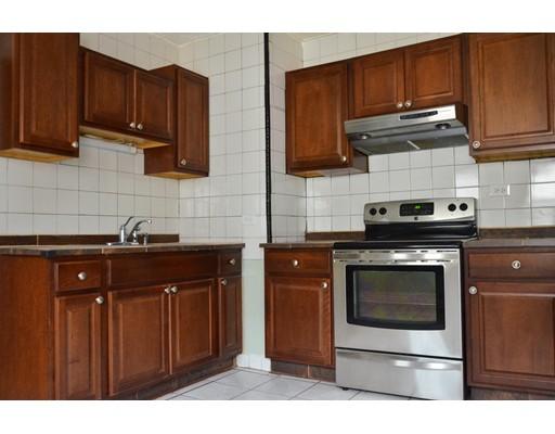 Casa Unifamiliar por un Alquiler en 2088 Dorchester Avenue Boston, Massachusetts 02124 Estados Unidos