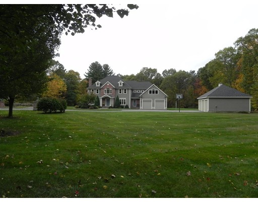 Single Family Home for Sale at 27 Edgewood Road 27 Edgewood Road Southborough, Massachusetts 01772 United States