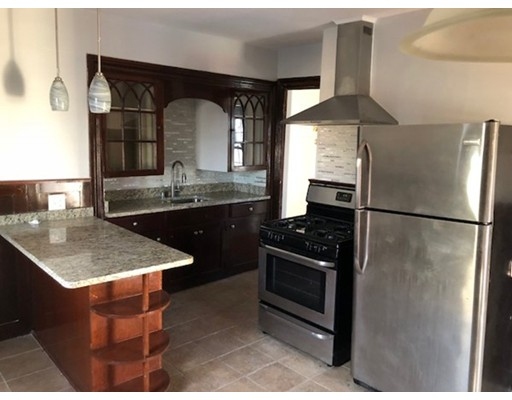 Casa Unifamiliar por un Alquiler en 104 robinwood Avenue Boston, Massachusetts 02130 Estados Unidos