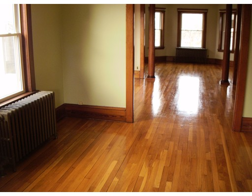 Single Family Home for Rent at 711 New Boston Road 711 New Boston Road Fall River, Massachusetts 02720 United States