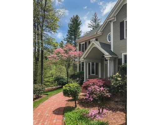 Частный односемейный дом для того Продажа на 14 Canterbury Lane 14 Canterbury Lane Hopkinton, Массачусетс 01748 Соединенные Штаты