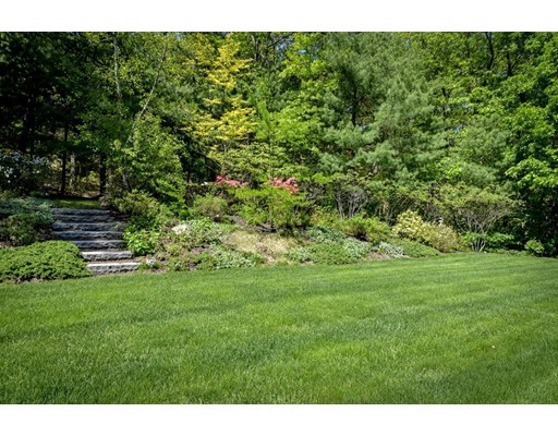 Additional photo for property listing at 16 Snows Hill Lane  Dover, Massachusetts 02030 Estados Unidos