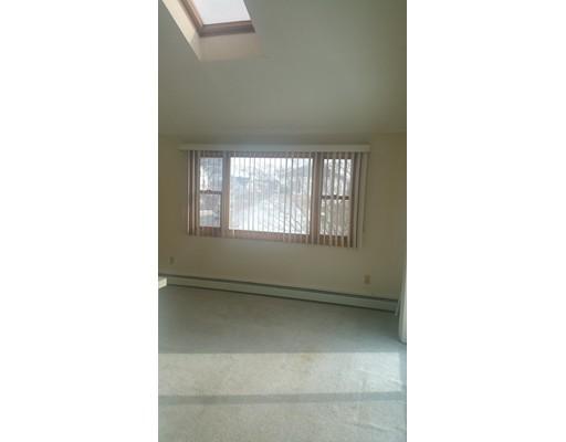Appartement pour l à louer à 55 BALLARD ST #2 55 BALLARD ST #2 Saugus, Massachusetts 01906 États-Unis