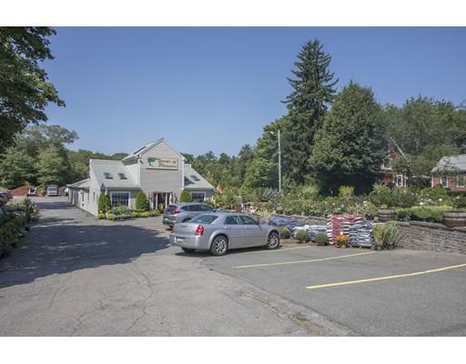 Commercial pour l Vente à 720 South Franklin Street 720 South Franklin Street Holbrook, Massachusetts 02343 États-Unis