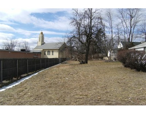 Additional photo for property listing at Montgomery Street  Chicopee, Massachusetts 01020 Estados Unidos
