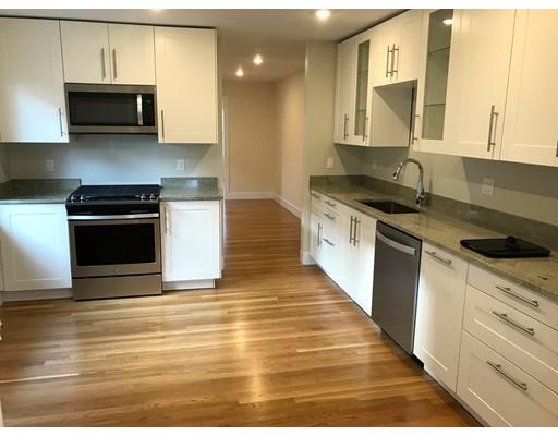 Частный односемейный дом для того Аренда на 30 Cypress Street 30 Cypress Street Brookline, Массачусетс 02445 Соединенные Штаты