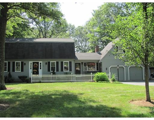 Single Family Home for Sale at 365 Mucciarone Road 365 Mucciarone Road Franklin, Massachusetts 02038 United States