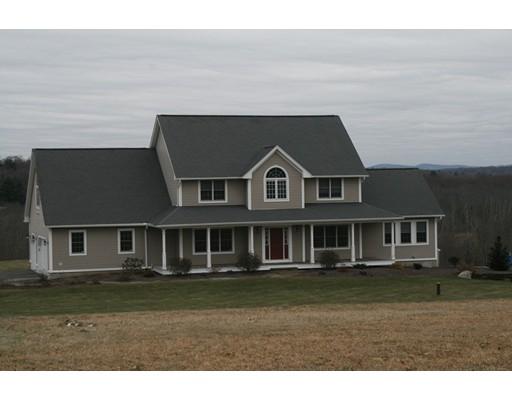 Casa Unifamiliar por un Venta en 65 Ferry Hill Road 65 Ferry Hill Road Granby, Massachusetts 01033 Estados Unidos
