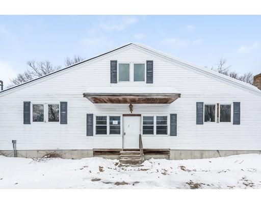 واحد منزل الأسرة للـ Sale في 4 Byfield Road 4 Byfield Road Groveland, Massachusetts 01834 United States