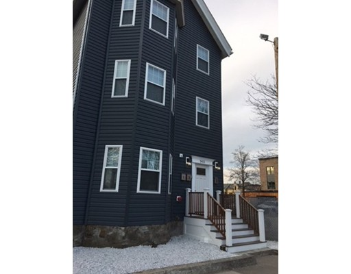 Casa Unifamiliar por un Alquiler en 3411 Washington Street Boston, Massachusetts 02130 Estados Unidos