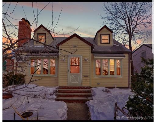 Maison unifamiliale pour l Vente à 53 Columbus Street 53 Columbus Street Chelsea, Massachusetts 02150 États-Unis