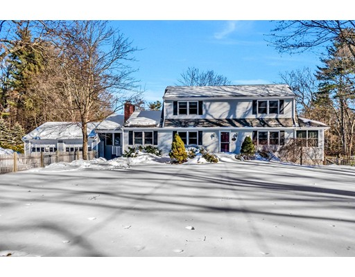 Single Family Home for Sale at 72 Concord Road 72 Concord Road Acton, Massachusetts 01720 United States