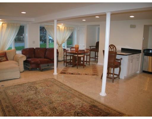 Apartment for Rent at 10 Crestview Dr #1 10 Crestview Dr #1 Sudbury, Massachusetts 01776 United States