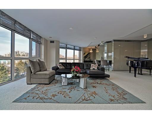 Appartement en copropriété pour l Vente à 79 Florence Street #S605 79 Florence Street #S605 Newton, Massachusetts 02467 États-Unis