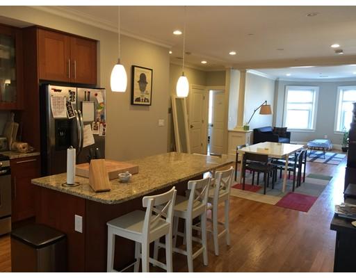 Частный односемейный дом для того Аренда на 37 University Road 37 University Road Brookline, Массачусетс 02139 Соединенные Штаты