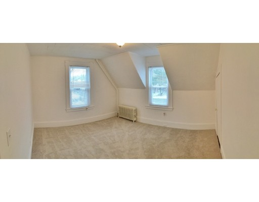 Apartment for Rent at 279 North Bedford St. #2 279 North Bedford St. #2 East Bridgewater, Massachusetts 02333 United States