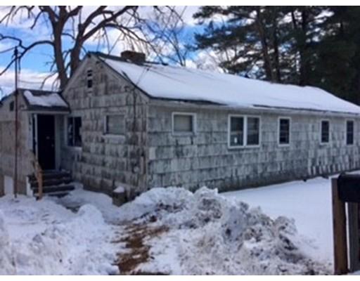 Частный односемейный дом для того Продажа на 23 S Buffumville Shore Road 23 S Buffumville Shore Road Charlton, Массачусетс 01507 Соединенные Штаты