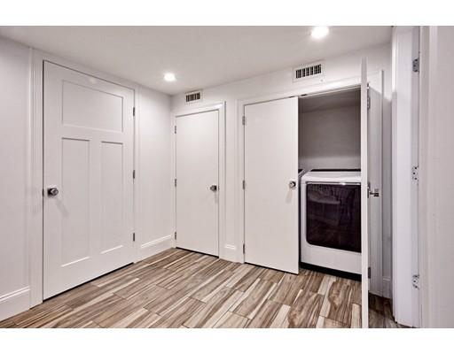 단독 가정 주택 용 매매 에 184 Tudor Street 184 Tudor Street Boston, 매사추세츠 02127 미국