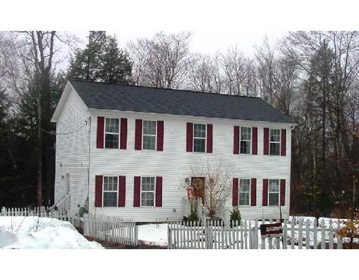 Частный односемейный дом для того Продажа на 384 Silver Leaf Drive 384 Silver Leaf Drive Becket, Массачусетс 01223 Соединенные Штаты