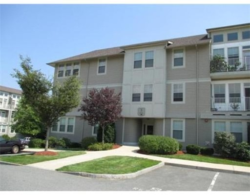 شقة بعمارة للـ Rent في 3 Harvest Dr #203 3 Harvest Dr #203 North Andover, Massachusetts 01845 United States
