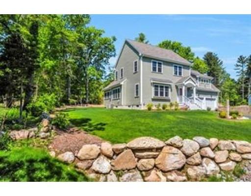 Single Family Home for Rent at 8 overlook Lane 8 overlook Lane Easton, Massachusetts 02375 United States