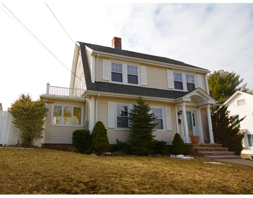 Single Family Home for Sale at 42 Monmouth Avenue 42 Monmouth Avenue Medford, Massachusetts 02155 United States