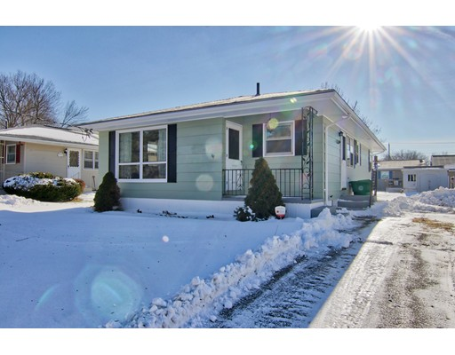 Single Family Home for Sale at 41 Beaumont Avenue 41 Beaumont Avenue Chicopee, Massachusetts 01013 United States