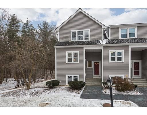 共管式独立产权公寓 为 销售 在 16 Summerville Road 16 Summerville Road Foxboro, 马萨诸塞州 02035 美国