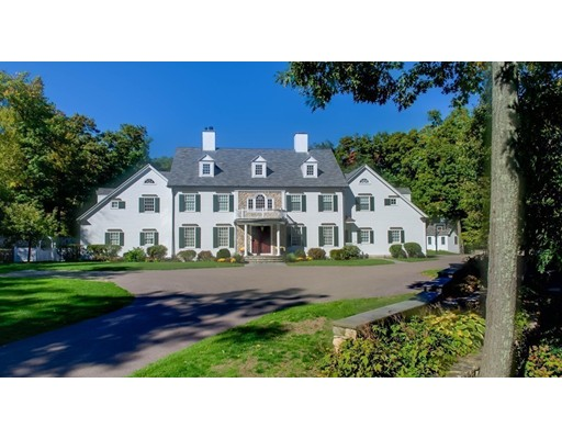 واحد منزل الأسرة للـ Sale في 2 Meadowbrook Road 2 Meadowbrook Road Weston, Massachusetts 02493 United States