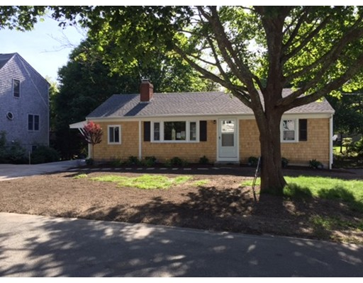 Single Family Home for Sale at 35 Antlers Shore Drive 35 Antlers Shore Drive Falmouth, Massachusetts 02536 United States