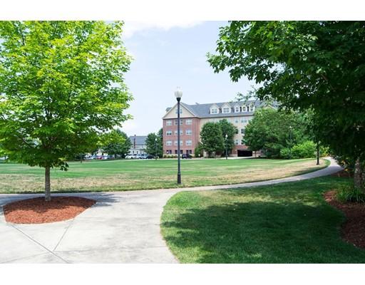Condominio por un Venta en 3 Powdermill Sq 3 Powdermill Sq Andover, Massachusetts 01810 Estados Unidos