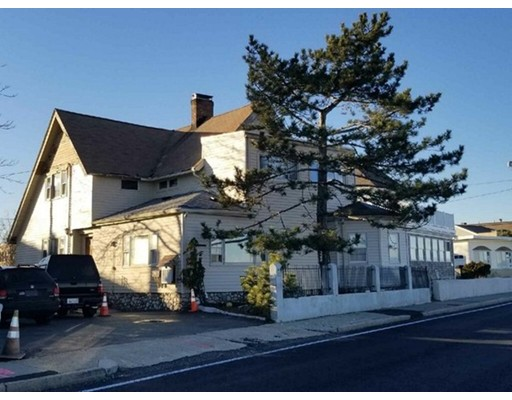 Многосемейный дом для того Продажа на 66 Winthrop Shore Drive 66 Winthrop Shore Drive Winthrop, Массачусетс 02152 Соединенные Штаты